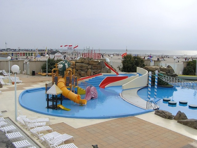 Aqualud le Touquet Childrens Slides