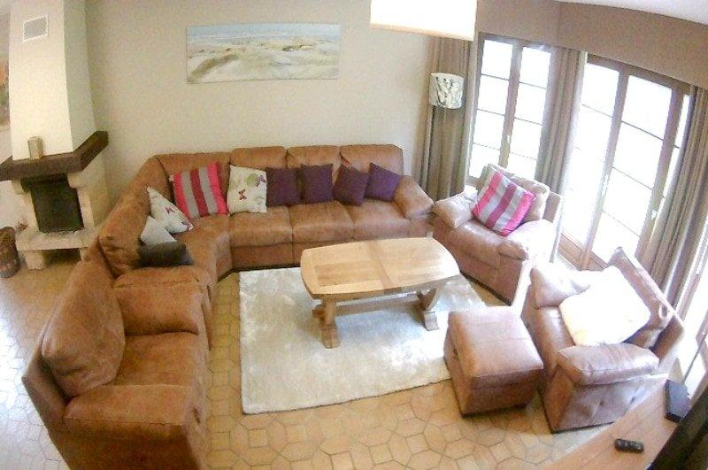 Les-Jumeaux-Le-Touquet-Lounge-above